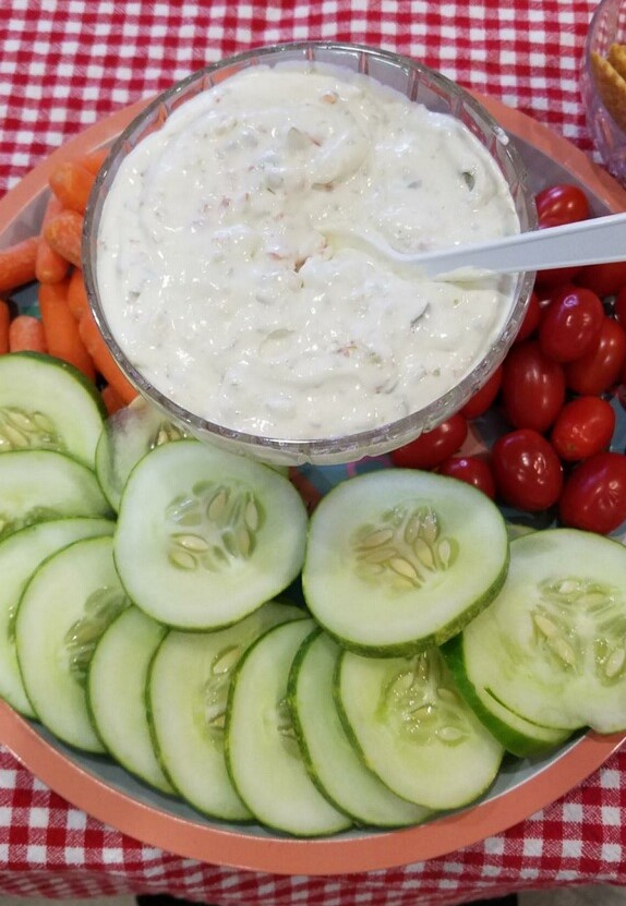 Martini Dip with Vegetables